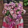Большая шляпная коробка с гортензиями, розами, лизантусами