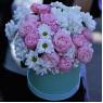 Коробка с розами и ромашками Нежная