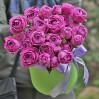 Пионовидные фиолетовые розы в коробке Misty