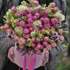 Цветы в коробке Королевский блюз купить с доставкой