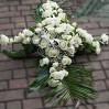 Ритуальная композиция из белых живых цветов Крест на заказ