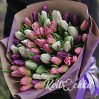 Большой букет 51 тюльпан белого, розового и фиолетового цвета