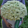 Bouquet of 101 white roses in a hat box