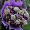 Большой букет с белыми пионами, альстромериями и розами