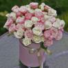 """Букет светлых роз в шляпной коробке """"Ноктюрн"""""""
