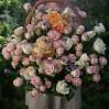 """Большая корзина с кустовыми и садовыми розами """"Пастельная"""""""