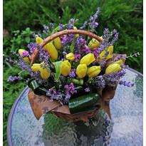 Как украсить свадебный зал цветами летом: советы флористов