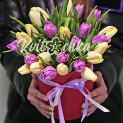 21 разноцветный тюльпан в коробке