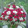 Большая ритуальная корзина с розами и хризантемами