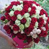 Bouquet of 101 red rose and white in a hatbox
