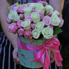 """White and pink spray roses (19 pieces) in the box """"Tenderness"""""""