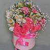 Букет в коробке из роз и альстромерий под заказ
