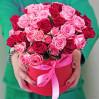 """Розы в шляпной коробке """"Яркость"""""""