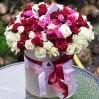 101 разноцветная роза в шляпной коробке с доставкой