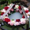 Траурная композиция с розами №15 на заказ с доставкой в Киеве