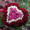 Сердце из 81 розы в корзине