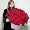 Огромный букет 151 красная роза в шляпной коробке