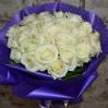 Букет 25 белых роз высота 70 см