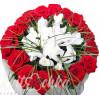 """Букет с белыми ирисами и красными розами """"Облачко"""""""