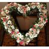 Композиция в форме сердца для украшения свадебного зала