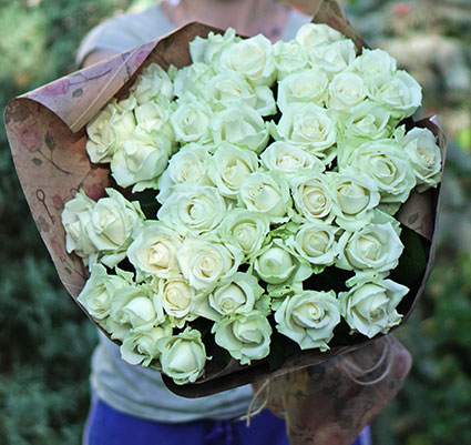 Order flowers to Kyiv online