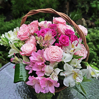 Order flowers with delivery across Kiev