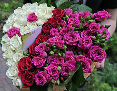 To Order flowers Kyiv, bouquets, around the clock to buy