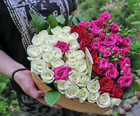 Доставка цветов Киев (левый берег)