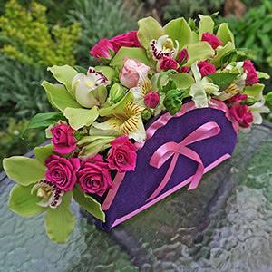 Сумочки из цветов - срочная доставка букетов