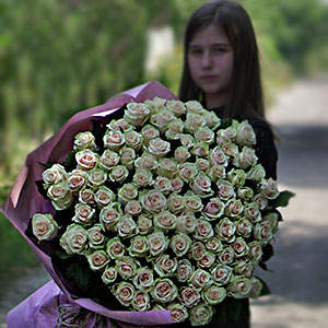 Order and delivery of flowers in Kyiv around the clock